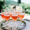 Sommerliche Desserts, Cocktails und Limonaden für die Hochzeit.