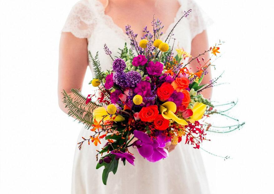 Como combinar o seu vestido de noiva com o buquê de flores em 5 passos