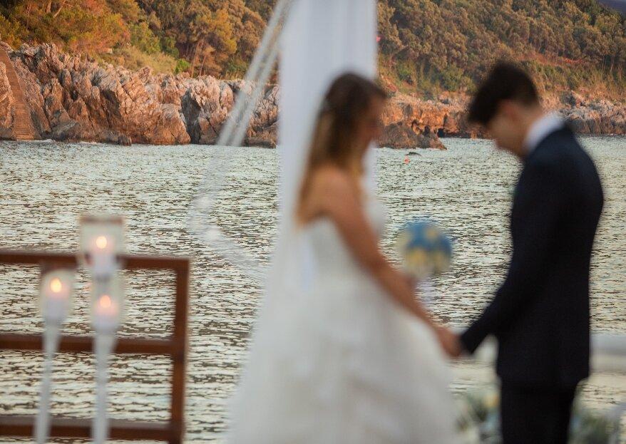 Sabrina Cannas ha esaudito il sogno di Alessandro e Michela, organizzando il matrimonio in riva al mare ai tempi del Covid!