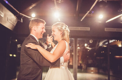 5 momentos de la boda que deben acompañarse con música, ¡conoce cómo elegir la ideal!