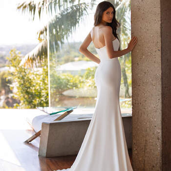 Créditos: Pronovias Cruise 2021 | Modelo do vestido: Williams