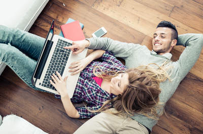 Descubre las ventajas de enamorarse a través de Internet, ¡atrévete a conocer a tu amor!