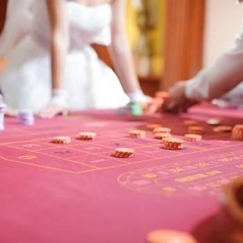 Pourquoi ne pas proposer une partie de poker à vos convives ?