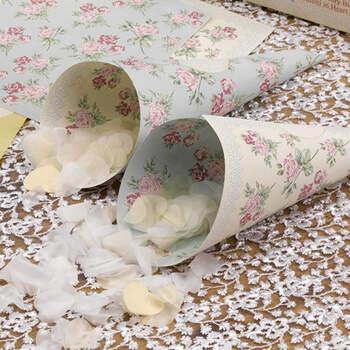 Foto: Cono papel para pétalos flores