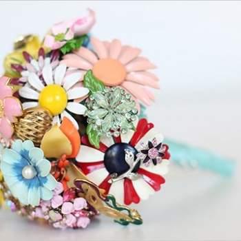 O Buquê reflete o estilo de cada noiva. É uma opção muito pessoal e se você não gosta de flores, vai se inspirar com estes modelos com jóias e pedras.