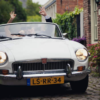 Con este vehículo le darás un toque diferente a tu llegada. Foto: 2Rings Trouwfotografie y Feestudio
