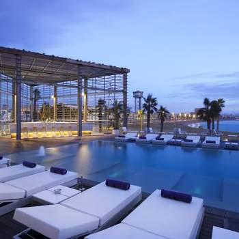 Celebra una boda de lujo con impresionantes vistas al mar Mediterráneo.  Sus espacios versátiles son perfectos para cualquier tipo de boda, ya que se adaptan a las preferencias de cada pareja.