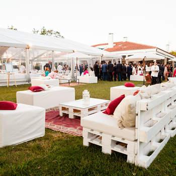 Quer uma decoração de casamento diferente? Almofadas e tapeçarias para uma celebração muito folk