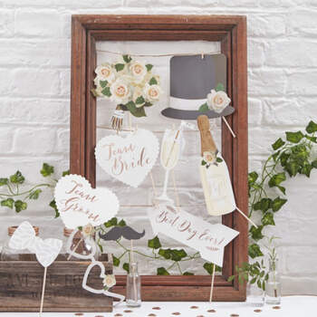 Atrezzo para Photocall en blanco- Compra en The Wedding Shop