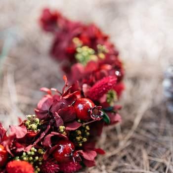 Corona en tonos rojos de Emma Isla de Flores. Credits Pati Gagarin