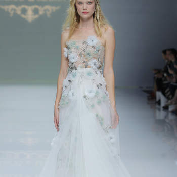 Credits: Marco _ Maria. Credits_ Barcelona Bridal Fashion Week