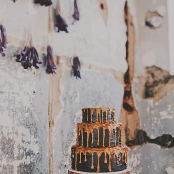 Photo : Red, White & Green Photography - Wedding cake : Ashley Hayward