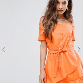 Pretty LittleThing Bardot Ruffle Hem Mini Dress da Asos (27,03€)