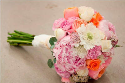 The perfect Spring bridal bouquet: Fill your wedding day with colour!