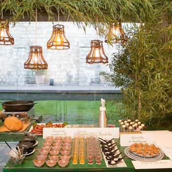 Disfrutad de la mejor gastronomía de una forma saludable de la mano de Krisalia Catering. Su servicio es el resultado de la combinación de experiencia, estilo y responsabilidad, lo que conseguirá crear recuerdos mágicos del gran día.