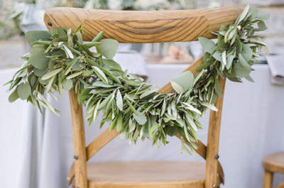 Décoration de chaises de mariage : des tendances délicates!