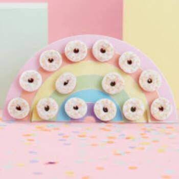 Stand arc en ciel donuts - The Wedding Shop