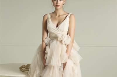Inspírate en los vestidos de novia más originales del 2017 y marca la diferencia. ¡Elige el tuyo!