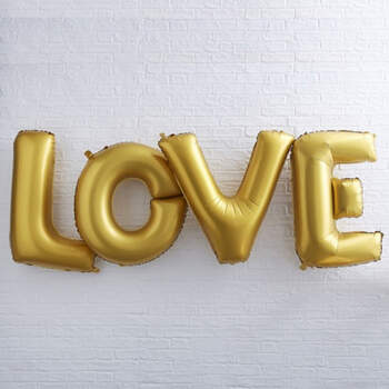 Globo letras LOVE doradas- Compra en The Wedding Shop