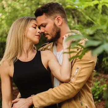 Mickael Carreira e Laura Figueiredo usaram a mesma fotografia para demonstrarem todo o seu amor. Em IG @mickaelcarreira e @laurafigueiredooficial