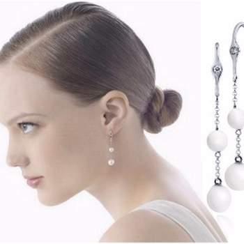 Largos de meter estilo gancho con perlas oro blanco y diamantes.