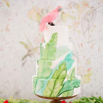 Inspiração para bolos de casamento modernos que são uma verdadeira obra de arte | Créditos: Jose Villa Photography