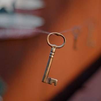 Jeżeli jesteście na tym etapie związku, gdy 2 połówka jest Waszym częstym gościem, a nawet współlokatorem, doróbcie jej klucz do swojego mieszkania. Mniej romantyczne niż klucz do waszego serca, ale znacznie praktyczniejsze. Fot. Flickr.com