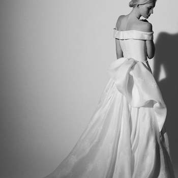 Vestidos de novia Carolina Herrera 2018: inspiración en un romántico jardín de flores