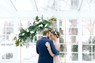 Marmurowo-miedziana sesja ślubna, gdzie szyk wypełnia każde zdjęcie! Zapraszamy!