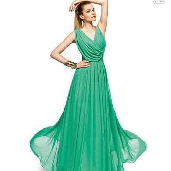 Abito verde acquamarina in chiffon plissettato con morbida scollatura incrociata