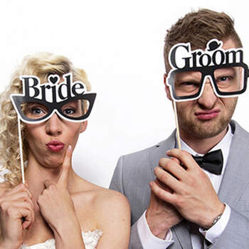 Photocall Gafas De Novios 2 unidades- Compra en The Wedding Shop