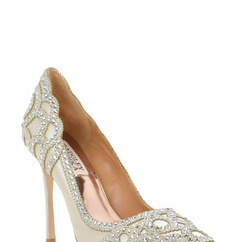 Rouge Embellished Evening Shoe. Credits_ Badgley Mischka.