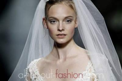 Schneekönigin für einen Tag – mit den Brautkleidern für die Winterhochzeit aus den Kollektionen 2013!