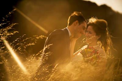 Cuando la creatividad se une a la diversión: las preciosas imágenes de boda de MasdeuWeddings