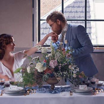 Vintage Blue: een moderne styled wedding shoot met trendkleur poederblauw | Foto: Sara T Photography