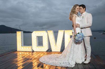 Casamento rústico chic na praia de Jade e Marcos: elegância à beira mar em Ilhabela!