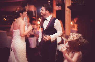 Tatjana & David: moderne Vintage-Hochzeit im Alten Zollhaus