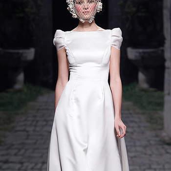 Vestido de novia con escote barco, de Victorio & Lucchino 2013. Foto: Barcelona Bridal Week