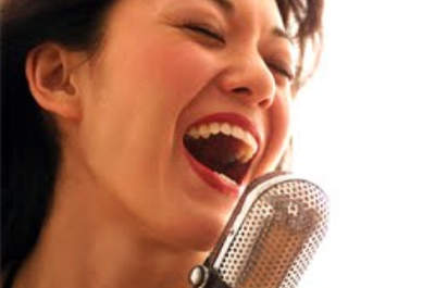Despedida de soltera en Karaoke   www.ideasdespedidadesoltera.blogspot.com