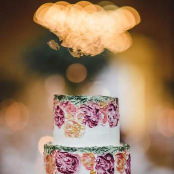 Os bolos de casamento com aguarela são surpreendentes | Créditos: Bakewell |  Foto: Menino Conhece Menina