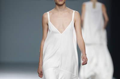Ángel Schlesser Primavera-Verano 2016: minimalismo elegante