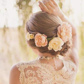 Kwiaty We Włosach 24 Romantyczne Upięcia ślubne