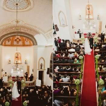 Cerimônia numa igreja pequena.