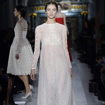 Este vestido de flores con líneas sencillas puede ser una buena opción para una boda estilo hippie. Foto: Valentino.