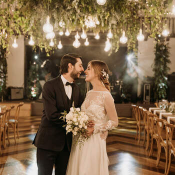 """Si quieres que tu boda sea como la soñaste, si buscas a alguien que se arriesgue contigo, puedes confiar en el trabajo de <a href=""""https://www.zankyou.com.co/f/lica-creativa-389447"""" target=""""_blank"""">Lica Creativa</a>"""