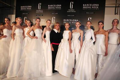 Disfruta la simpleza de los vestidos de novia Rosa Clará Colección 2014