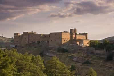 Feiern Sie eine ganz besondere Hochzeit in einem mittelalterlichen Schloss!