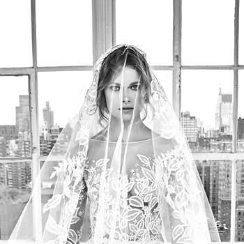 Deborah with veil. Créditos: Zuhair Murad.