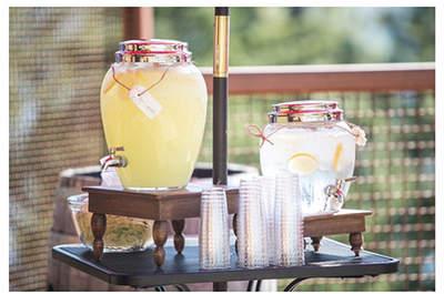 Cocktails creativos: Los rincones perfectos para que las bebidas en tu boda sean protagonistas