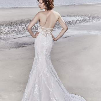 "<a href=""https://www.maggiesottero.com/sottero-and-midgley/kingsley/11546"">Maggie Sottero</a>"